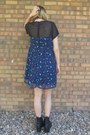 Black-vintage-boots-navy-insect-print-forever-21-dress