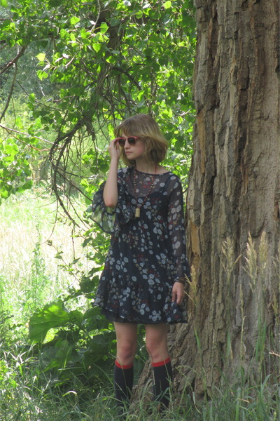 navy seventies style thrifted dress - sky blue pastel floral thrifted dress