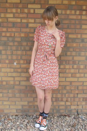 teal Converse sneakers - carrot orange Forever 21 dress
