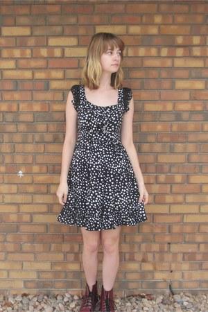brick red Dr Martens boots - black Forever 21 dress