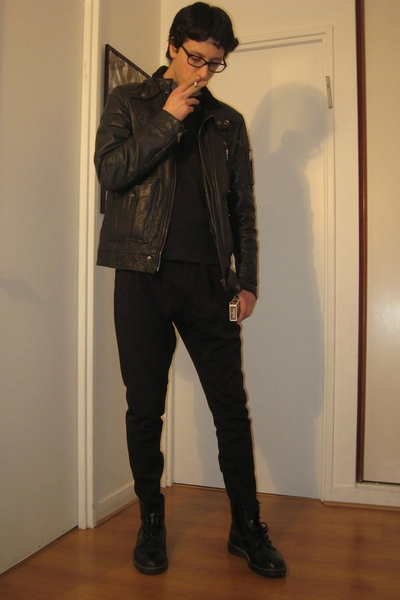 Dr Martens boots - Zara pants - Secondhand jacket