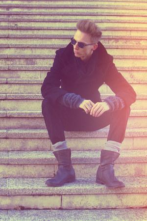 gray Bershka boots - black H&M coat - black H&M jeans - dark gray Bershka scarf
