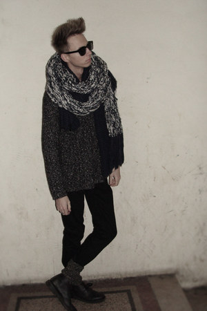 leather vintage boots - denim H&M jeans - knit Esprit sweater - knit Zara scarf