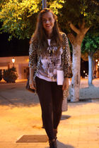 brown H&M blouse - white vintage t-shirt - black Forever 21 leggings - black H&M