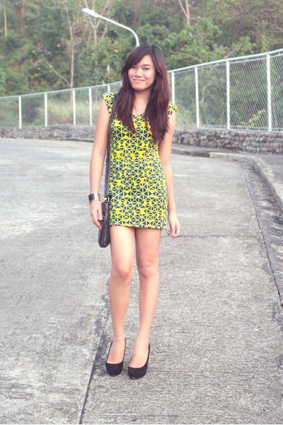 black Nine West bag - yellow neon DICH dress
