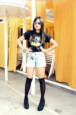 black batman Capital Tee X Shop OnTrend shirt - random shorts