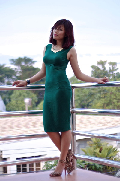 green emerald Forever 21 dress - laceup Nine West heels