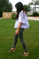 white free people top - black Michael Kors shoes - gray Topshop jeans