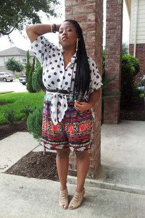 mixed print shorts - polka dot blouse - leather sandals