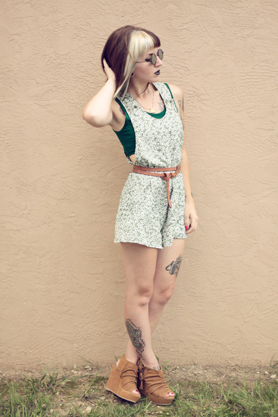 green foral vintage romper - black round thrifted sunglasses