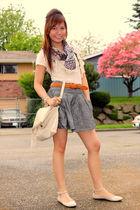 gray Forever 21 skirt - beige purse - black Wetseal scarf - beige Forever 21 sho
