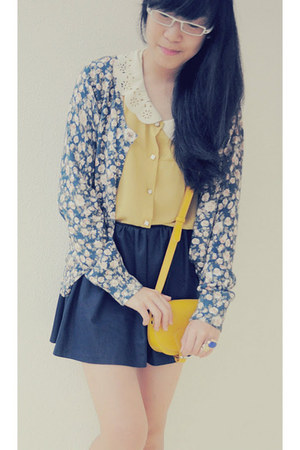 navy floral cardigan - mustard shirt - mustard cross body bag