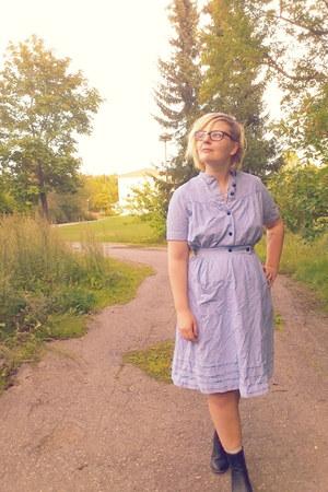 Skopunkten boots - vintage dress
