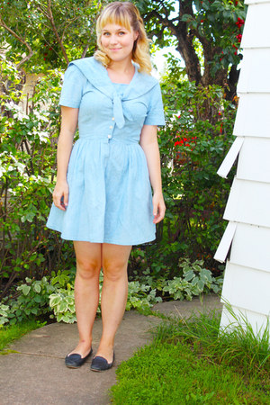 sky blue cotton vintage dress - navy leather Brooks Brothers flats