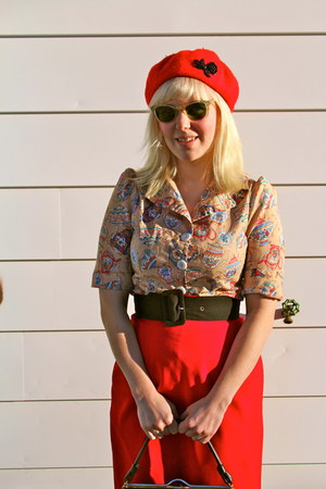 Tara Starlet blouse - ruby red wool beret Tara Starlet hat