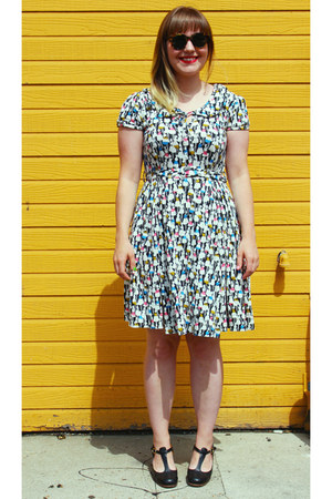 white orla kiely for people tree dress - black leather to and co heels