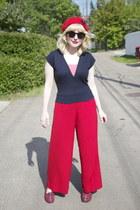 red wool Tara Starlet hat - H&M sunglasses