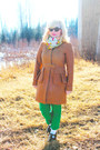 Nude-peplum-jcrew-coat-bubble-gum-scarf-green-wool-jcrew-pants