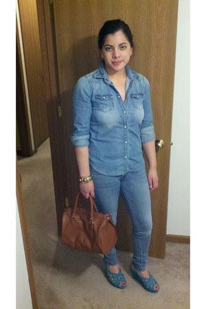 sky blue Bershka jeans - burnt orange H&M bag