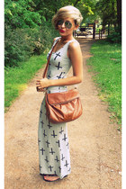 heather gray Boohoo dress - tawny H&M bag - silver Ray Ban sunglasses