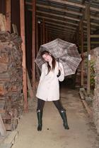 beige gallery coat - green Hunter boots - brown Forever 21 leggings - beige Burb