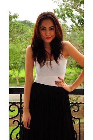 black maxi skirt skirt - white banana republic top