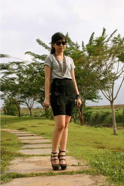 gray no brand shirt - black thrifted skirt - silver Forever 21 necklace - black