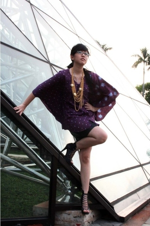 Parang Kencana blouse - DIY necklace - thrifted skirt - Ebay shoes