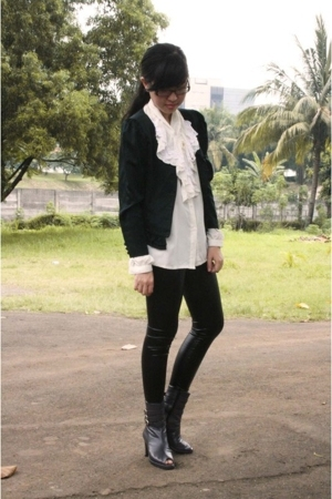 thrifted blazer - thrifted blouse - ebaycom leggings - mi-casa-su-casa shoes