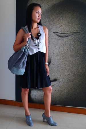 Mango dress - Armani Exchange purse - Linea Italia vest - jinelyn shoes - queent