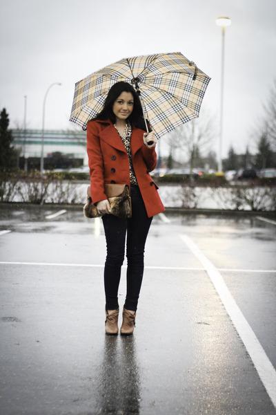 red wool banana republic coat - navy skinny J Brand jeans