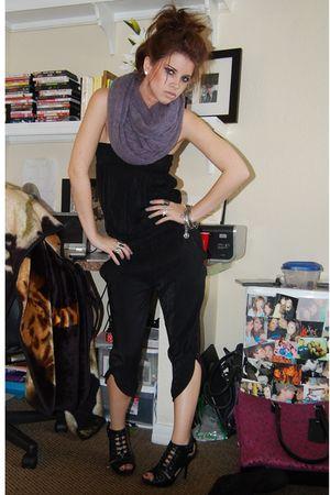 gray HenriGirl scarf - black Henri Girl pants - black HenriGirl shoes