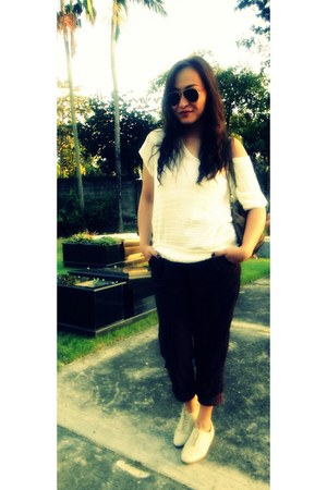 Forever 21 blouse - Forever 21 pants - Forever 21 shoes - Ray Ban glasses