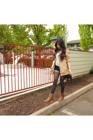 lace-up Deena & Ozzy boots - trench Hot Kiss jacket - fringe hm bag - denim Fore