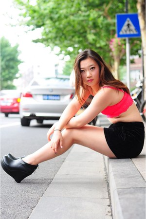 black unknown brand shoes - black shorts - hot pink bra