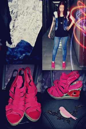 hot pink floral wedges So FAB shoes - blue denim design Blue leggings