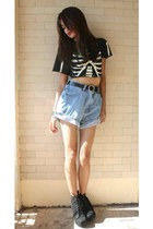 black shirt - denim Levis shorts