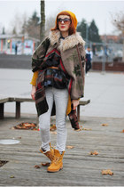 beige H&M jeans - gold H&M hat