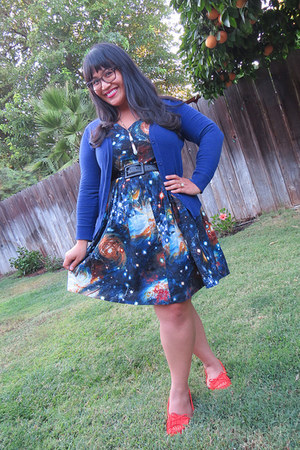 green necklace - navy modcloth dress - brown H&M bag - blue merona cardigan