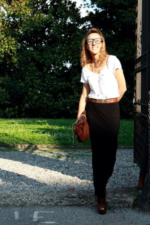 Prada vintage purse - H&amp;M skirt - moschino vintage belt - ivory Zara t-shirt