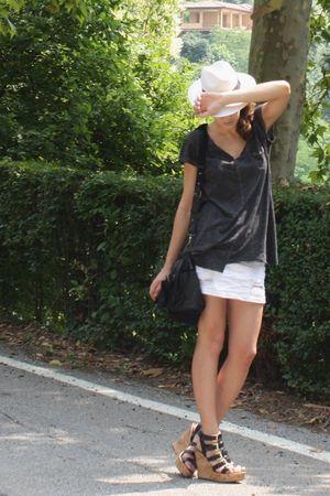 panama bought in Sardinia hat - Zara t-shirt - Bershka skirt - In the style of A