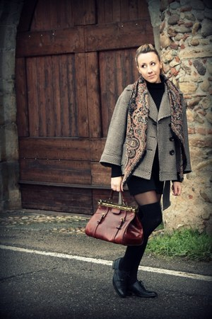 Fendi purse - Zara coat - vintage scarf - Lautre Chose shoes