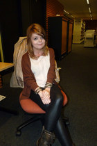 cream new look blouse - dark brown River Island boots - black Topshop leggings