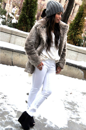 faux fur Forever 21 coat - Zara hat - Zara leggings - vintage shirt - Mimosa wed