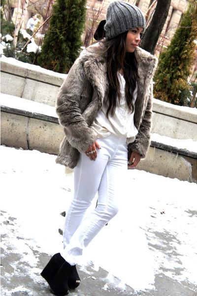 faux fur Forever 21 coat - Zara hat - Zara leggings - vintage shirt - Mimosa wed
