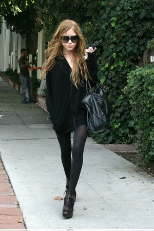 ring - tights - purse - sunglasses