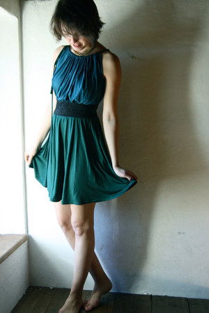 teal knit Larimeloom dress