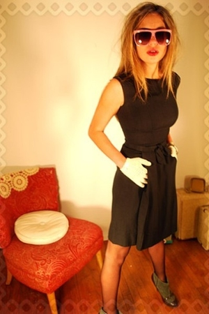 black dress - pink glasses - white gloves