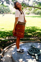 brown Urban Outfitters purse