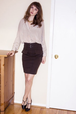 olive green Bedo skirt - cream vintage blouse